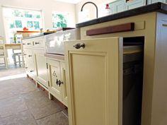 Integrated bin in kitchen island