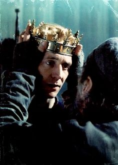 Tom Hiddleston (Prince Hal) and Jeremy Irons (King Henry) in Henry IV Part 2 (The Hollow Crown) Fantasy Inspiration, Story Inspiration, Writing Inspiration, Character Inspiration, Thomas William Hiddleston, Tom Hiddleston Loki, The Hollow Crown, My Tom, Richard Iii