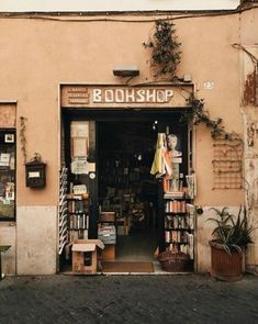 One of my favourite places that we've come across in Rome— we found this beautiful bookshop while wondering around Trastevere— I love how… Brown Aesthetic, Aesthetic Vintage, Aesthetic Shop, Vie Simple, Belle Villa, Vintage Vibes, Aesthetic Pictures, Wall Collage, Beautiful Places