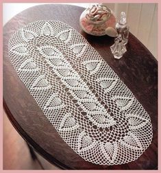 Crochet Heklanje plus : Šema 147 - Manji ovalni stolnjak sa ananasima Crochet Tunic Pattern, Crochet Table Runner Pattern, Crochet Diagram, Crochet Chart, Crochet Blanket Patterns, Free Crochet, Chat Crochet, Crochet Daisy, Crochet Doilies