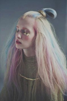 The pictures I post are not mine. If you have any questions about beauty, you can ask. Submit your hair,style,&makeup! I post beauty and fashion stuff mostly. Diy Haarfärbemittel, Pelo Multicolor, Foto Fantasy, Rainbow Hair, Rainbow Pastel, Pastel Pink, Pink Blue, Mode Inspiration, Hair Inspo