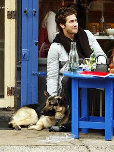 Jake Gyllenhaal enjoying a lunch with his best pal, Atticus -- love the name!