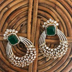 Diamonte Earring, diamond and emerald earrings - Diamond Jewelry Diamond Earrings Indian, Indian Jewelry Earrings, Fancy Jewellery, Diamond Earing, Jewelry Design Earrings, Gold Earrings Designs, Emerald Earrings, Gold Jewellery Design, Ear Jewelry