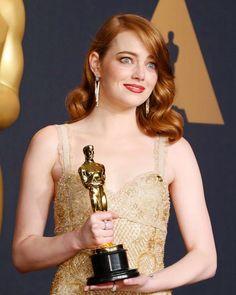 "Gefällt 691 Mal, 5 Kommentare - Emma Stone (@emmastone_inspiring) auf Instagram: ""Best face! Emma received the Oscar as Best Actress in La La Land at the last Oscars event #emmastone"""