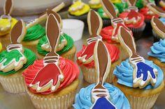 artists brush cupcakes {via johnleesandiego}