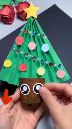 Christmas Crafts For Kids To Make, Christmas Ornament Crafts, Xmas Crafts, Diy Crafts For Kids, Kids Christmas, Paper Crafts, Happy Holi Wallpaper, Origami Christmas Tree, Insect Crafts