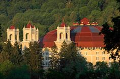 Gnomes, domes and more: A short and fun history of the luxurious West Baden Springs Hotel in French Lick, Indiana. Blog: http://www.midwestliving.com/blog/travel/gnomes-and-domes/