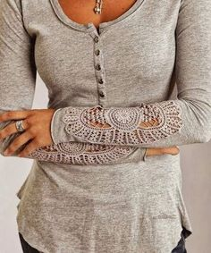Stylish long sweater with lace design arms