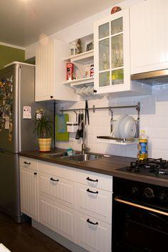 Белая кухня в оливковом обрамлении - Частичка ИКЕА есть в каждом доме