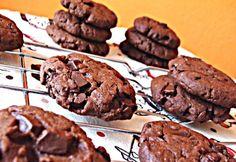 Very chocolate chocolate biscuits Hungarian Desserts, Hungarian Cake, Hungarian Recipes, Chocolate Biscuits, Chocolate Chocolate, Sweets Cake, No Bake Cake, Nutella, Recipies