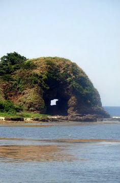Timmangtang Rock in Pagudpud Beach, Northern Province, Ilocos, Philippines Philippines Travel, Vigan Philippines, Ilocos, Somewhere In Time, Pinoy, Natural World, Mother Nature, Places Ive Been