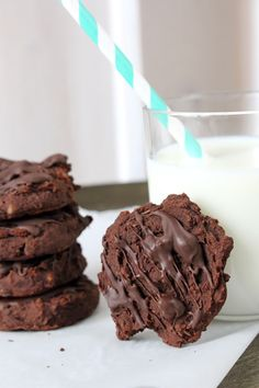 Chocolate chickpea cookies – Famous Last Words No Calorie Foods, Low Calorie Recipes, Veal Recipes, Cake Recipes, Chickpea Cookies, Breakfast Cookie Recipe, Food Cakes, Vegan Sweets, Vegan Baking