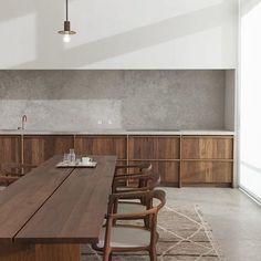 Kitchen design by Hans Verstuyft Photography by Dorothee Dubois @hansverstuyft #instakitchen #instadesign #instadaily #kitchen #instainspo #instadesign #design
