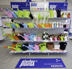 KESÄ! Plastex hyllykokonaisuudessa värit pääset oikeuksiinsa ja myynti kasvaa! Made in Finland