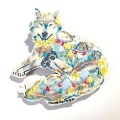 ゲレンデ白オオカミ    ブローチ