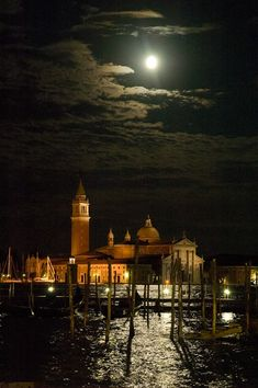 Venice - The moon and San Giorgio Island Places To Travel, Places To See, Wonderful Places, Beautiful Places, Places In Italy, Sunset Pictures, Italy Travel, Palazzo, Scenery