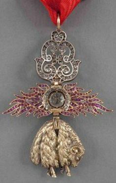 Spain, Golden Fleece Order, neck badge, w/diamonds, late 18th C., Spanish Royal House. Rev.