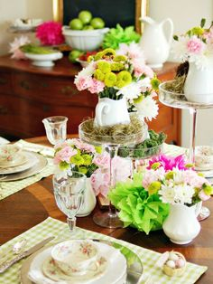 Bright colors for table with Spring Fever