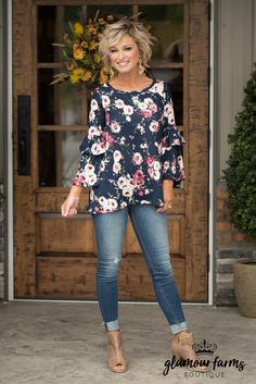 Best Outfits For Women Over 50 - Fashion Trends Fashion Over 50, Look Fashion, Autumn Fashion, Women's Summer Fashion, Mode Outfits, Casual Outfits, Fashion Outfits, Fashion Trends, Womens Fashion