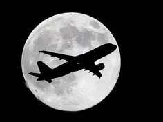 "One day before the much anticipated ""supermoon,"" a Virgin America flight from NYC crossed the waxing gibbous moon on its final approach to Los Angeles as viewed from Whittier, California. Full Moon July, Supermoon Photos, Astronomical Events, July Events, Virgin America, Waxing Gibbous, Meteor Shower, Super Moon, Son Luna"