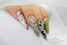by Indigo Educator Magdalena Traks :) Find more inspiration at www.indigo-nails.com #nailart #nails #indigo #jungle #design #new #swarovski