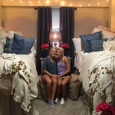 Beautiful and Comfy College Apartment Ideas on A Budget College Apartments, College Dorm Rooms, Girl Dorms, Dorm Life, College Life, Cute Dorm Rooms, Room Goals, Teen Girl Bedrooms, Dorm Decorations