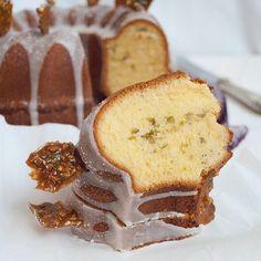 Orangengugelhupf mit Pistazien und Knusperkrokank - Orange Bundt Cake with Pistachios and Crunchy Brittle
