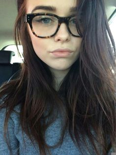 i love her hair and glasses Acacia Clark, Acacia Brinley Tumblr, Bae, Buckle Outfits, American Eagle Outfits, Girls With Glasses, Girl Glasses, Troye Sivan, Cute Faces