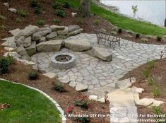 48 Fancy Backyard Fire Pit Seating Area Design Ideas - HOMYFEED More and more people are choosing to spend time in their back yards and gardens entertaining friends and family. If … backyard design diy ideas Fire Pit Seating, Fire Pit Area, Diy Fire Pit, Fire Pit Backyard, Backyard Patio, Backyard Seating, Backyard Ideas, Patio Ideas, Flagstone Patio