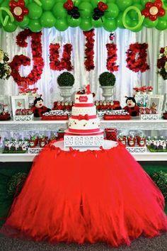 Decoração festa Tema Joaninha Ladybug Picnic, Ladybug Party, 1st Birthday Decorations, 1st Birthday Party Invitations, Ladybug 1st Birthdays, First Birthdays, Baby 1st Birthday, 1st Birthday Parties, Birthday Cartoon