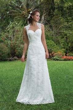 Sweetheart Gowns features the best in bridal at a great price. Find on-trend, flirty and fun wedding dresses to make every bride feel sweet and charming. Plus Wedding Dresses, Western Wedding Dresses, Elegant Wedding Gowns, Lace Wedding Dress, Plus Size Wedding, Designer Wedding Dresses, Bridal Dresses, Modest Wedding, Elegant Gown