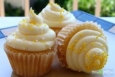 honey cupcakes with honey cream cheese- HONEY IS ONE OF MY FAVE THINGS IN THE WHOLE WIDE WORLD!