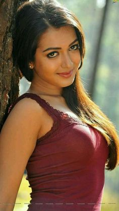Catherine Tresa is an Indian film actress and mode in Telugu - Beautiful Girl Indian, Most Beautiful Indian Actress, Beautiful Girl Image, Gorgeous Women, Beauty Full Girl, Cute Beauty, Beauty Women, Beautiful Bollywood Actress, Beautiful Actresses
