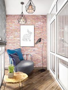 Место для чтения. Панорамные окна и французские светильники с локальным освещением помогли дизайнеру интерьера Татьяне Зайцевой создать комфортную зону для отдыха в квартире