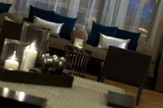 Mingle with friends or co-workers in our inviting luxury lobby at the Renaissance Atlanta Midtown Hotel.
