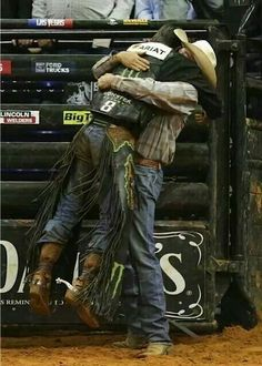 Mauney and Kent Cox after J. one of the greatest moments in PBR history Rodeo Cowboys, Hot Cowboys, Real Cowboys, Cowboy Love, Cowboy And Cowgirl, Bucking Bulls, Rodeo Events, Professional Bull Riders, Rodeo Time