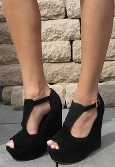 Black wedge sandal from Chockers Shoes I NEED THESE SHOES LIKE NOW!!!
