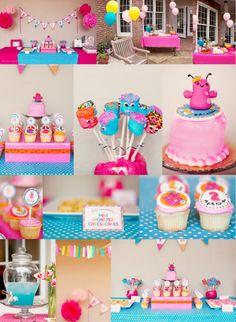 A girly monster party! Little Monster Birthday, Monster Birthday Parties, 2nd Birthday Parties, Girl Birthday, Birthday Ideas, Kid Parties, Birthday Decorations, Monster Party, Mini Monster