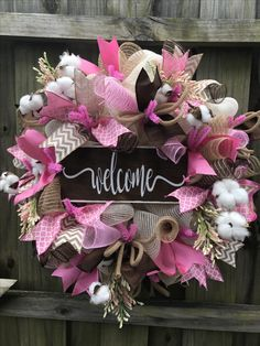 Welcome custom ivory burlap trimmed in pink Spring Wreaths, Easter Wreaths, Summer Wreath, Holiday Wreaths, Burlap Crafts, Wreath Crafts, Wreath Ideas, Pink Wreath, Felt Wreath
