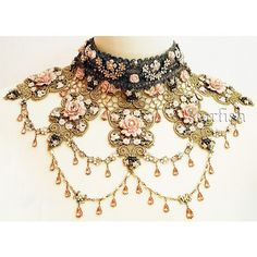 Michal Negrin vintage style Roses choker necklace with sparkling Swarovski crystals, roses and flowers in cream, pink, peach, pearl and green. Victorian Jewelry, Victorian Fashion, Antique Jewelry, Vintage Jewelry, Vintage Fashion, Victorian Collar, Victorian Women, Victorian Steampunk, Gothic Jewelry