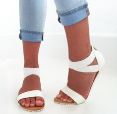 these versona white sandals are my new fave.