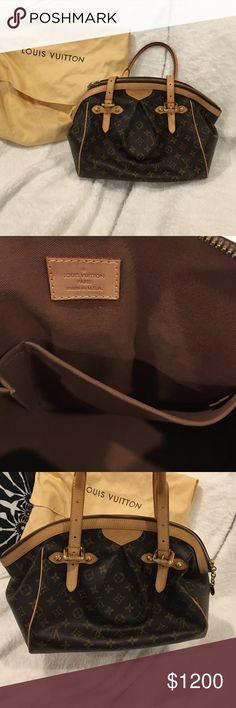 Authentic Louis Vuitton, in great condition LV shoulder bag . It is great quality. Louis Vuitton Bags Shoulder Bags