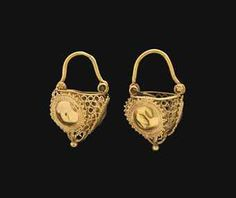 A PAIR OF BYZANTINE GOLD EARRINGS  CIRCA 10TH-11TH CENTURY A.D.