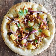 Vegan Hawaiian Barbecue Chicken Free Pizza.
