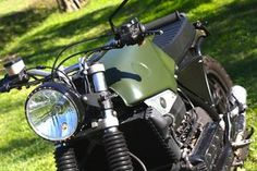 "Related postsBMW K 100 16V – Paolo SorboniBMW K 100 16 v – Sorboni GarageBMW K100 ""Muscle scrambler"" – Street BullBMW K100 – Augh ""Suscettibile"" The Different KappaBMW K100 – Dragoni Moto SHARING Bmw Old, K100, Bmw Motors, Scrambler, Muscle, Motorcycle, Street, Vehicles"