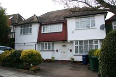 £1,650,000 Freehold Five Bedroom Detached Property Excellent Location for access to the local schools and A1 motorway to Central London. Many local restaurants and shops. Call 020 8458 8555 or Tweet @Hausman & Holmes