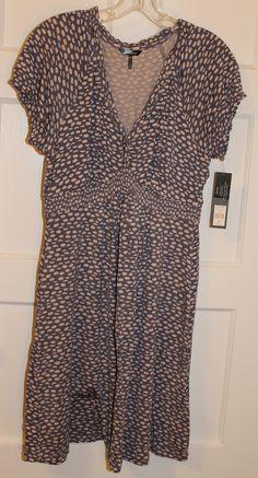 (NWT) Daisy Fuentes dress     Size: Medium