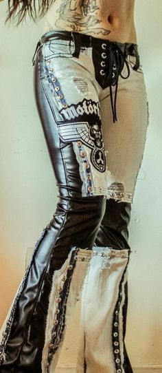 Awesome pants. Love ~ love crazy pants!!!