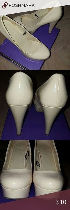 Beige Pumps Size 6, A couple of scratches in front as you can see in 3rd picture. Shoes Heels
