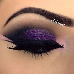 make up guide Purple Glitter and Black Smokey Eye Makeup – Double Winged Eyeliner – Lashes – Brows make up glitter;make up brushes guide;make up samples; Make Up Looks, Eyebrow Makeup, Skin Makeup, Makeup Eyeshadow, Purple Eyeshadow, Punk Makeup, Purple Makeup, Makeup Brushes, Glitter Makeup